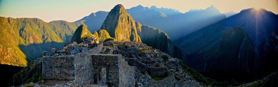 Zonsopkomst over Machu Picchu