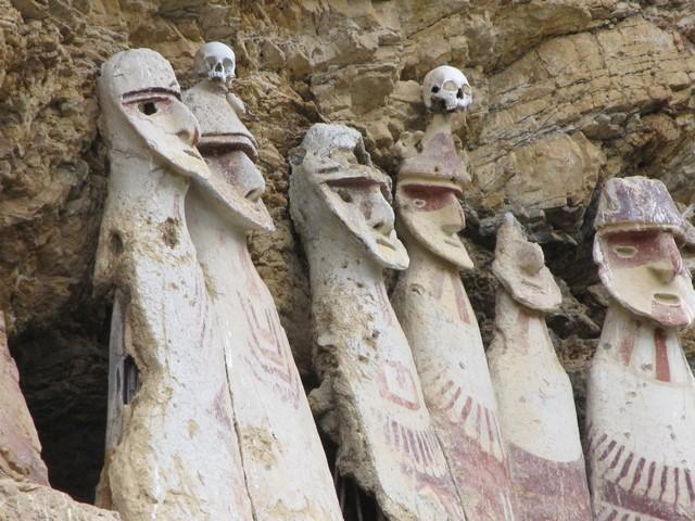 Chachapoyas - de tombes van Karajía
