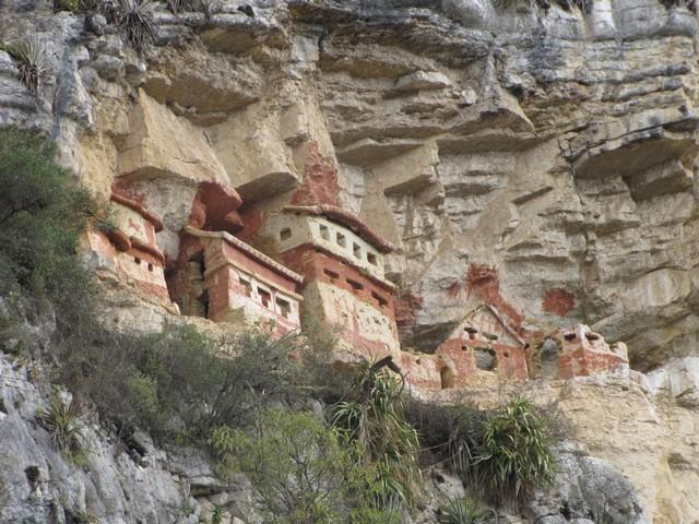Chachapoyas - het mausoleum van Revash