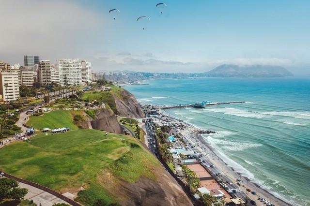 Lima Miraflores uitzicht kustlijn